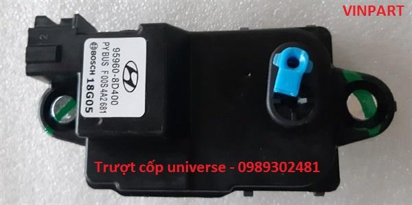 TRƯỢT CỐP ĐIỆN UNIVERSE, KHÓA CỐP ĐIỆN UNIVERSE 959608D400